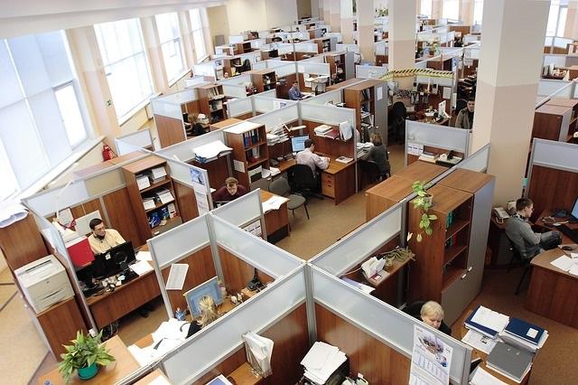 広いオフィスはWi-Fiルーターの設置場所が重要!